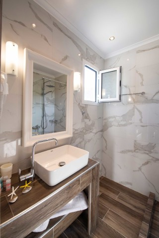 superior apartment villa verde bathroom
