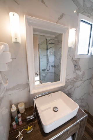 superior apartment villa verde bathroom area