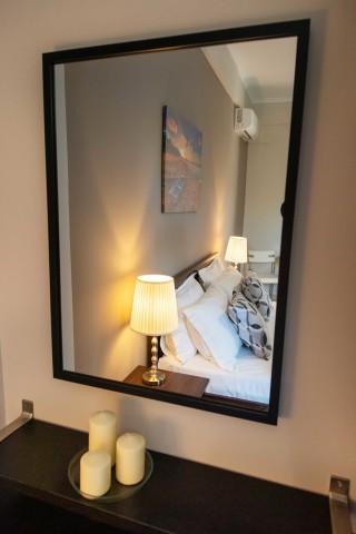 superior apartment villa verde mirror