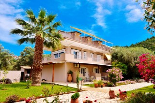 villa-verde-apartments-lefk